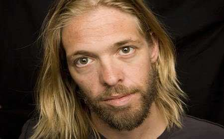Taylor Hawkins 'Not Comfortable' With New Foo Fighters