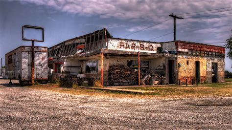 Abandoned Bar-B-Q Joint on Route 66 West of Vinita, Oklaho