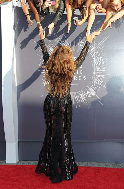 Beyonce on Red Carpet - 2014 MTV Video Music Awards in